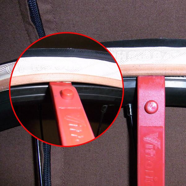 タイヤレバーを使用
